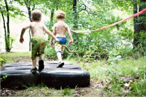 чем занять детей на даче летом - полоса препятствий