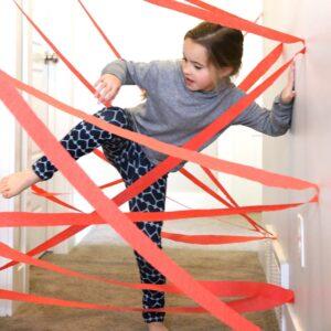Чем занять ребенка дома: лабиринт
