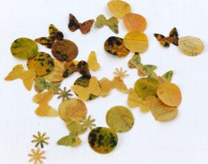 Фигурки из листьев