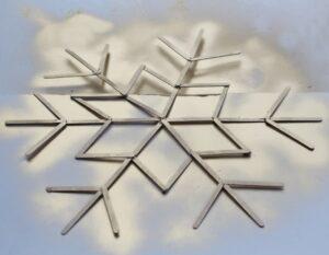 Снежинка из палочек от мороженого