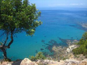 Кристально чистая вода для отдыха на Кипре с детьми