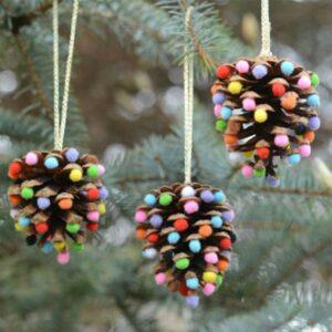 сделать игрушку на новогоднюю елку - задание для новогоднего адвента