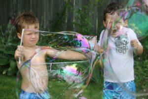 Рецепты гигантских мыльных пузырей