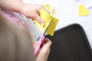 Практика вырезания ножницами