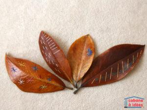 вышивка на осенних листьях